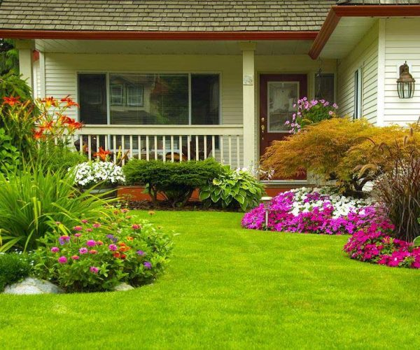 landscaped front yard | Greens Keeper